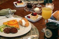 sonoma-bed-breakfast-hidden-oak-inn-four