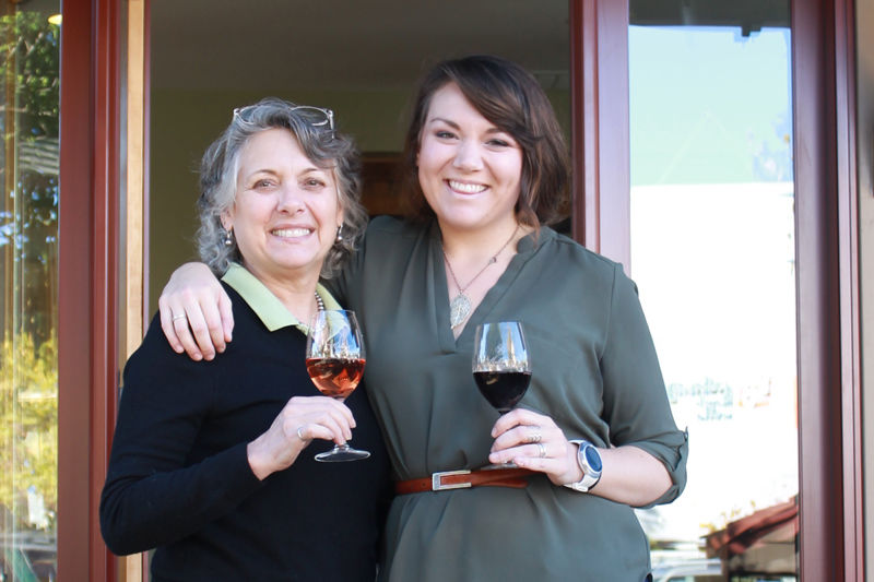 kelley and young wine tasting room cloverdale