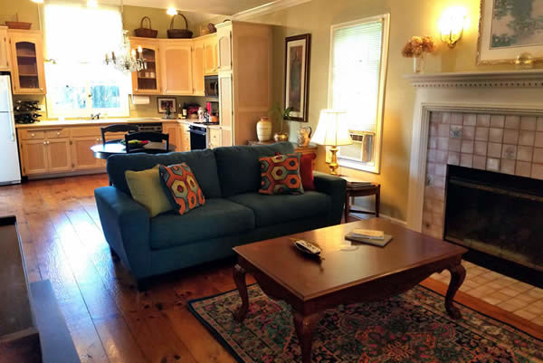 sonoma wine country vacation rental - cottage at Haydon Street Inn in Healdsburg CA