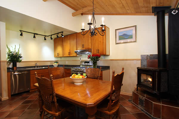 sonoma wine country vacation rental - russian river valley cottage at the woods